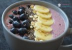 yaban-mersinli-smoothie-bowl
